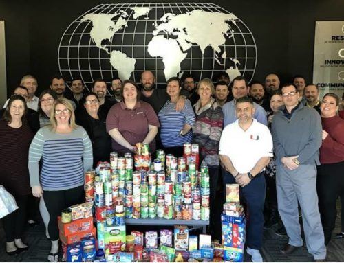 Vantagepoint AI Honors Lee Mendelsohn With Food Bank Donation